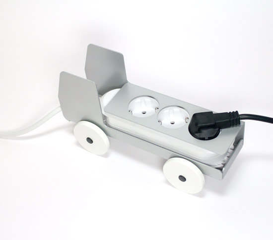 camion cache multiprise 3 prises en m tal plugtruck. Black Bedroom Furniture Sets. Home Design Ideas