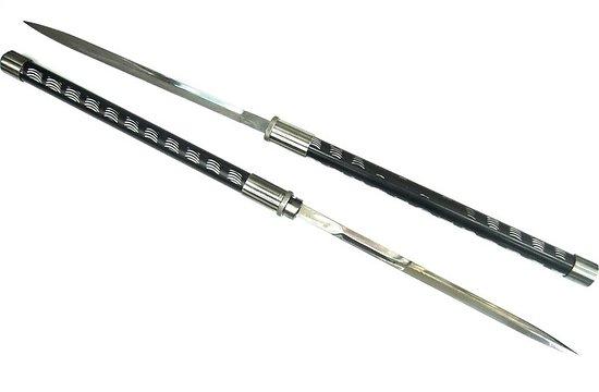 Double épée avec fourreau