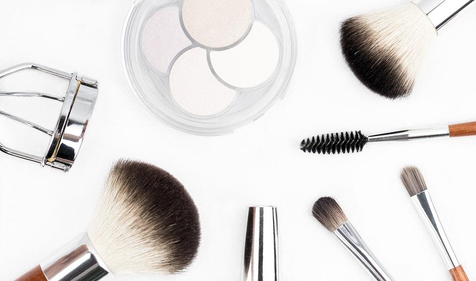 Makeup_AM-Cosmetiques.jpg