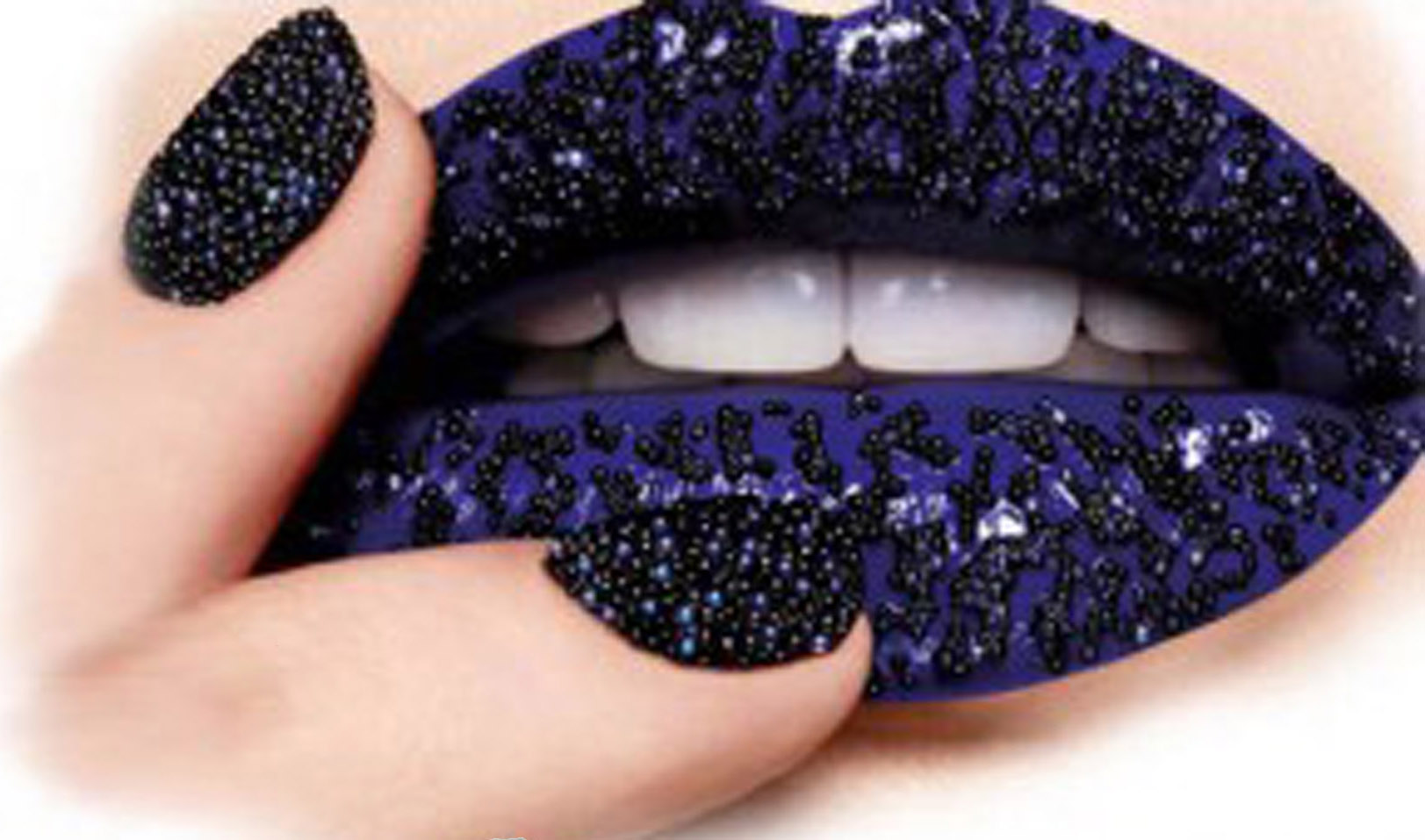 Vernis_a_ongles_CAVIAR_microperle_AM-Cosmetiques.jpg