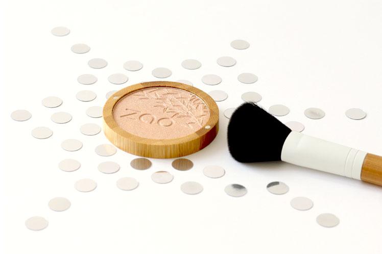 zao-make-up-hightlighter-shine-up-powder.jpg