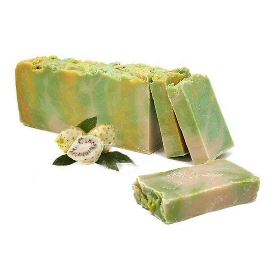 Savon Noni à l'huile d'olive artisanal 100g régénère la peau
