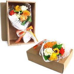 Bouquet avec fleurs de savon Orange dans boite bain romantique