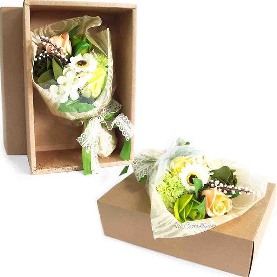 Bouquet de fleurs en savon Vert dans sa boite bain romantique