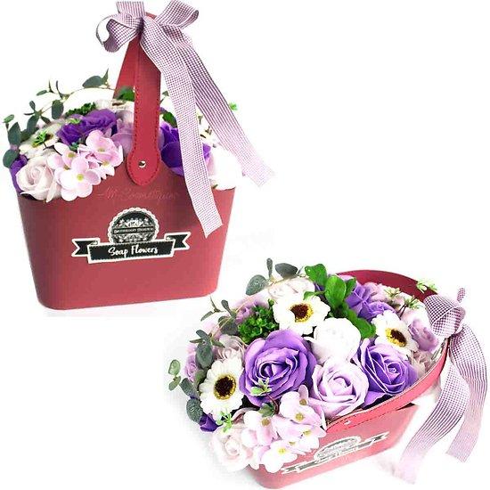Bouquet de fleurs de savon Lilas avec panier pour un bain romantique