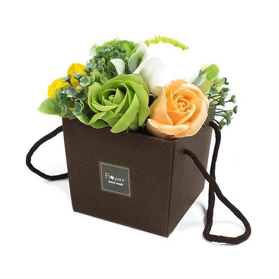 Bouquet de savon Fleurs du Printemps avec roses et oeillets