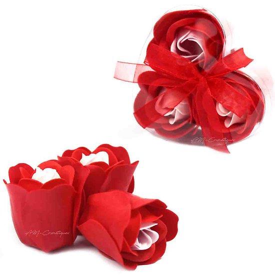 Rose en savon Rouge pour le bain lot de 3 dans sa boite en coeur