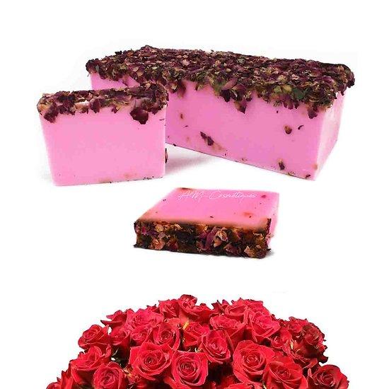 Savon artisanal Bouquet de roses surprise avec pétales en 100g