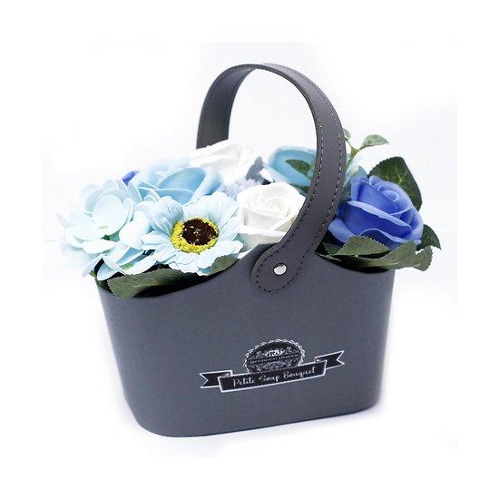 Bouquet fleurs en savon Bleu avec des roses, tournesol en panier