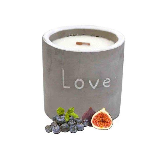 Bougie Figue et Cassis cire de soja, pot béton Love et mèche bois