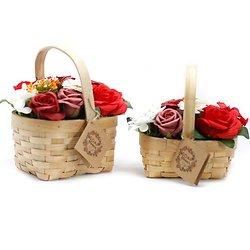 Bouquet fleurs de savon Rouge avec roses dans panier en osier
