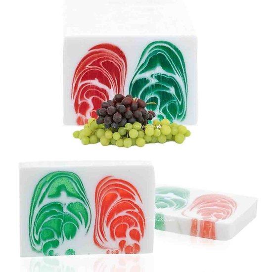 Savon artisanal Raisin 100g un parfum fruité et une belle couleur