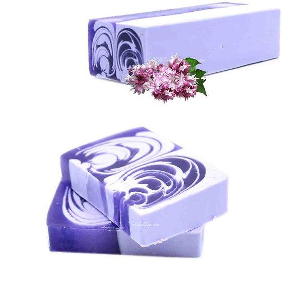 Savon artisanal Lilas en 100g avec un parfum floral étonnant