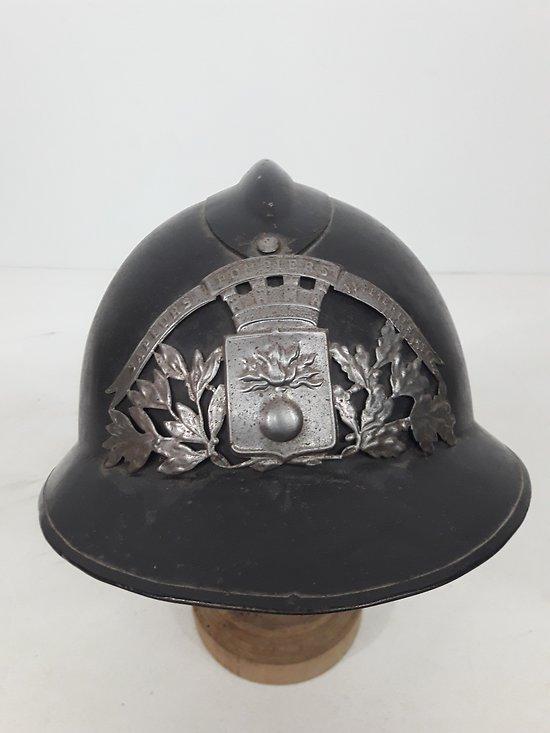 Casque Adrian pompier usine 1926 France