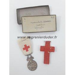 Ensemble nominatif infirmière 1860 / 1870 France