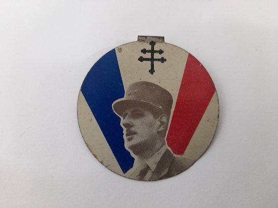 badge / broche patriotique De Gaulle France ww2
