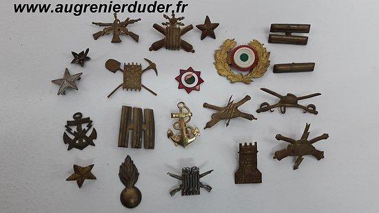 Lot d'insignes Italiens métal wwII