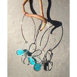 Boucles d'oreille fleur en fil d'acier et papier vernis  turquoise petit modèle
