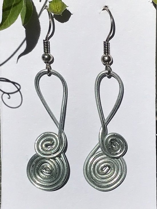 Boucle d'oreille Spirale en fil d'acier