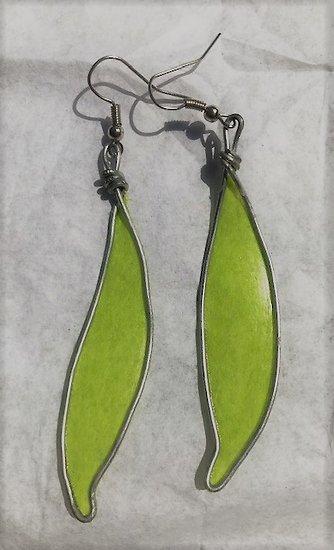 Boucle d'oreille Plume en acier et papier vernis vert anis