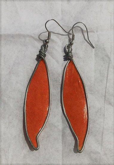 Boucle d'oreille Plume en acier et papier vernis orange