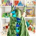 Cape deguisement enfant Dragon avec griffes - 5/6 ans