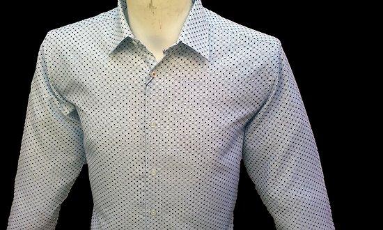 Chemise blanche forme droite a motifs pour homme