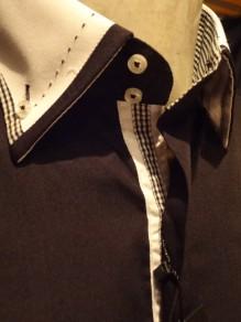 chemise_noire_sexy_pour_homme_pret_du_corp_DSC02804.JPG