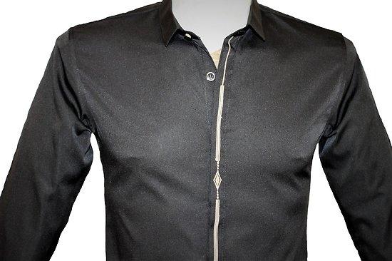 Chemises brodées en microfibre noires pour homme
