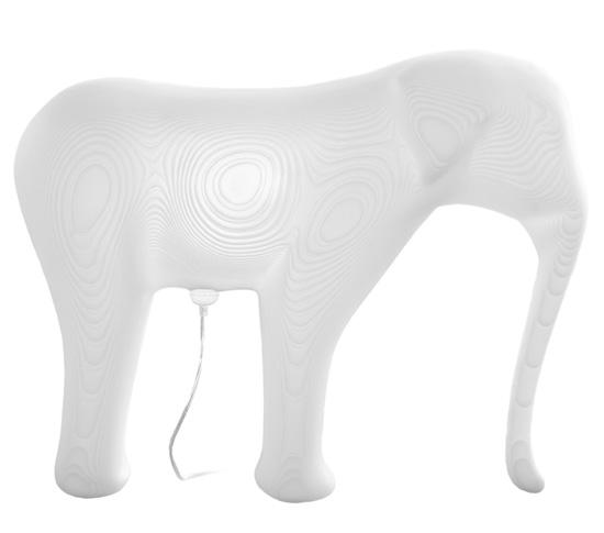LOW-RES ELEPHANT par Richard Hutten