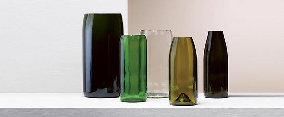 > Vases
