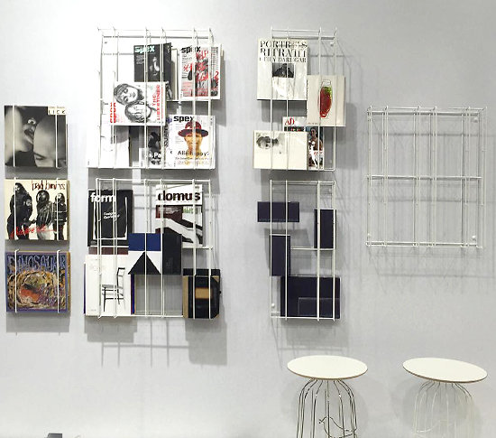 Petite tag re murale en fil d 39 acier laqu cover small designdecollecti - Petite etagere design ...