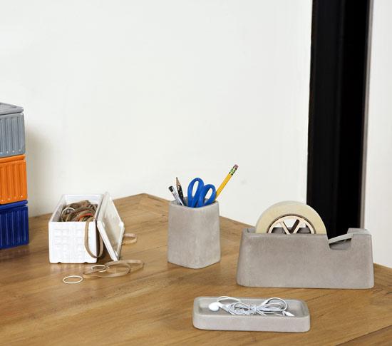 Accesoires de bureau en ciment concrete desk set for Set de bureau design