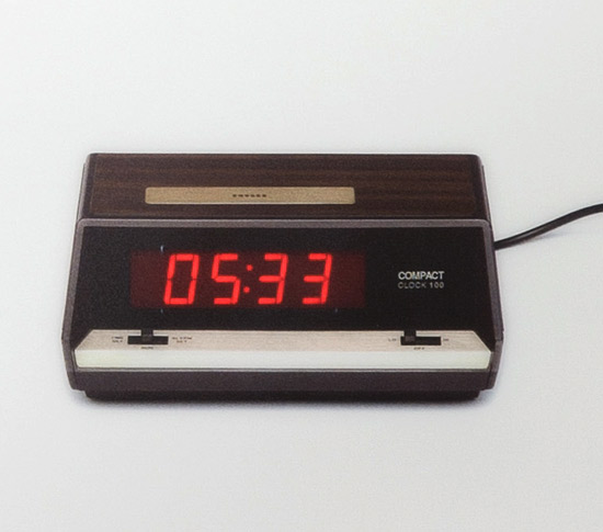 poster lumineux horloge murale led flat clife clock. Black Bedroom Furniture Sets. Home Design Ideas