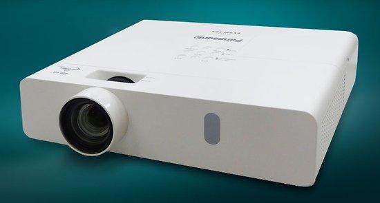 VIDEOPROJECTEUR PANASONIC XGA 4200 LUMENS HDMI / VGA