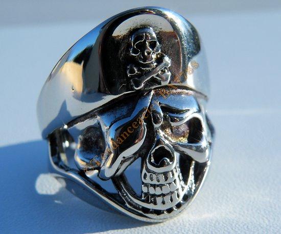 Bague Skull Acier Inoxydable Argenté Tete de Mort Pirate Soviet Hard Rock