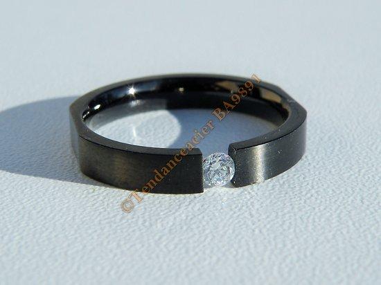 Bague Alliance Acier Inoxydable Noire Carbone Sertie Solitaire Cubic Zirconium Strass Mariage Saint Valentin Amour Love
