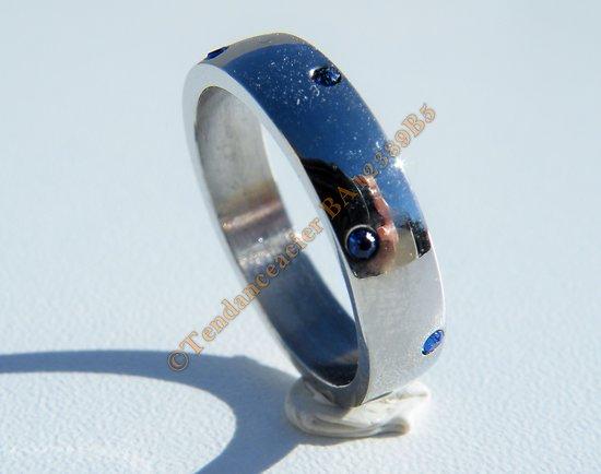 Bague Alliance Argenté 5 mm Pur Acier Inoxydable 8 Zircons Strass Bleu Amour Mariage