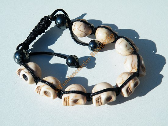 Bracelet Hématite Tibetain Shamballa Ajustable 9 Skull Tetes de Mort Blanc Beige Cool