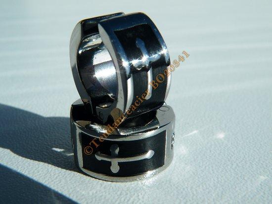 Boucles d'Oreilles Non Perçés Créoles Clip 14 mm Pur Acier Inoxydable Argenté Noir 3 Croix Sainte