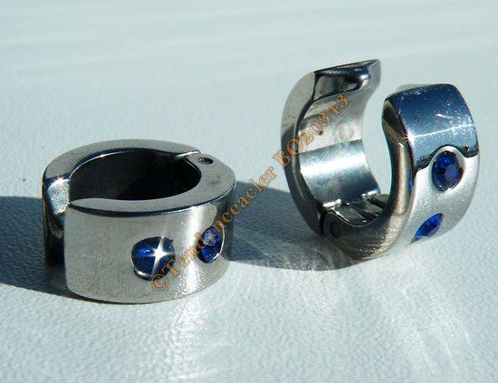Boucles d'Oreilles Non Percé Clip Créoles 14 mm Pur Acier Inoxydable Argenté 2 Strass Zircons Bleu