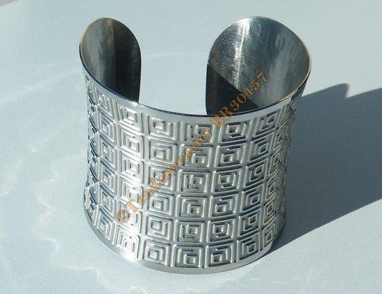 Bracelet Ouvert Bangle Acier Inoxydable Argenté Incurvé Motif Celte 54 mm Ajustable