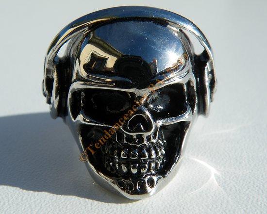 Bague Pur Acier Inoxydable Argenté Chevalière Skull Tete de Mort Casque DJ 27 mm