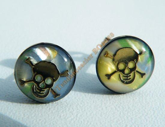 Boucles d'Oreilles Acier Inoxydable Clous Tete de Mort Or Nacré Skull