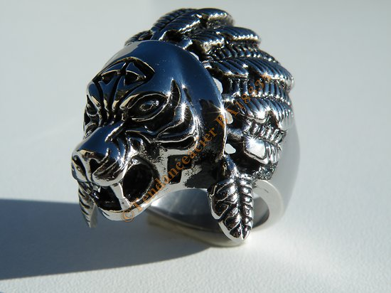 Bague Chevaliere Acier Inoxydable Argenté Lion à Plumes Apache Indien Skull