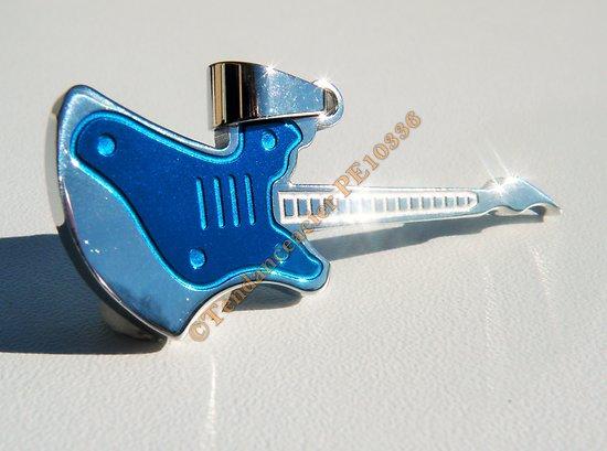 Pendentif Pur Acier Inoxydable Guitare Bleu et Argenté Music Rock Concert