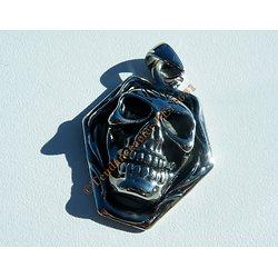 Pendentif Pur Acier Inoxydable Tete de Mort Skull Genre Iron Maiden Hard Rock Goth
