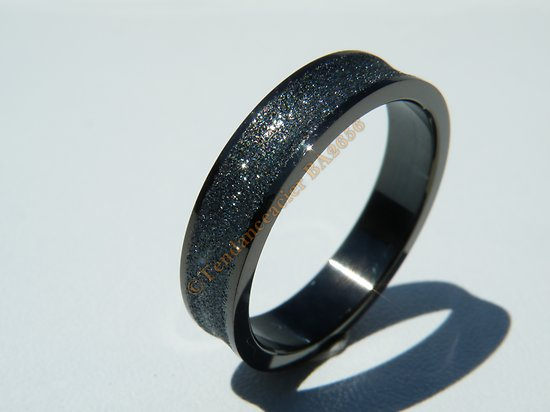 Bague Acier Inoxydable Noire Black Concave Incurvé 5 mm Love