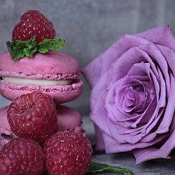 Spécial St Valentin : macaron coeur à la rose et à la framboise