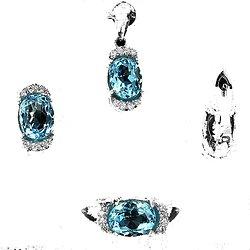 Parure Topaze bleu. Pendentif + chaine, bague, boucles d'oreille Argent 925